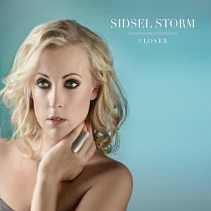 Sidsel_Closer_front_300dpi_1500X1500
